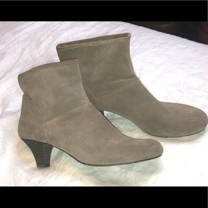 Nine West 8.5M Tan Suede Leather Ankle Boots NEW